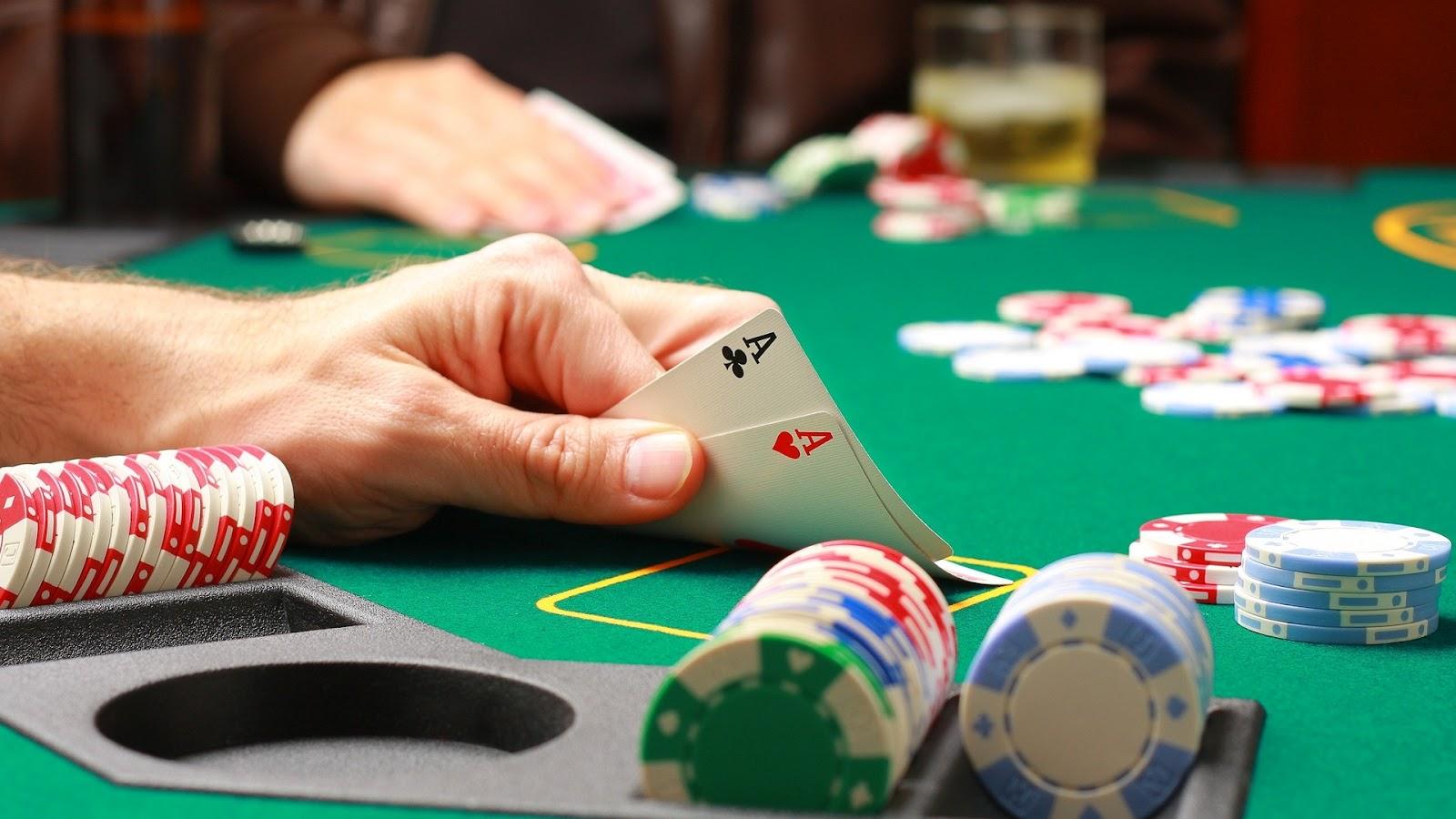 Tips Bermain Poker Online APK Untuk Memperbesar Keuntungan Anda