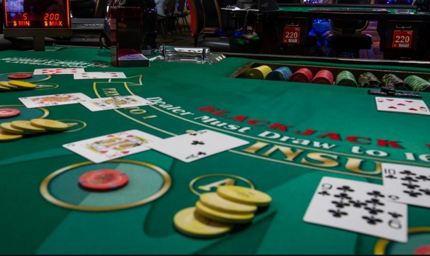 Terungkap, Permainan Judi Kartu Poker yang Terbongkar Triknya